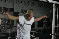 Tito Ortiz Starts His Fly Work Out (I Want Muscle) Tags: workout titoortiz flysweight liftinggymnutrition muscles topless