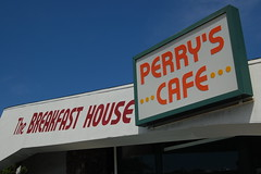 The Breakfast House (24thcentury) Tags: california sandiego diner signage diagonals retroarchitecture perryscafe thebreakfasthouse excelentheuvosrancheros