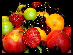do you love the fruit? (GnL*) Tags: fruit turkey cherry relax strawberry trkiye peach plum trkei apricot erik kiraz blueribbonwinner meyve ilek kays eftali isawyoufirst 100com500views25favs