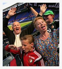 After the performance @ De Kuip  (Feijenoord de Opera (6)) (AurelioZen) Tags: europe netherlands rotterdamzuid olympiaweg feijenoordstadion dekuipbrinkmanenvandervlught actorsstageplay feijenoorddeopera singingpeople communitysinging