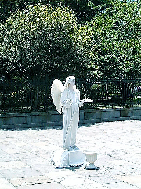 spirit mime statue wings white angel jacksonsquare neworleans tribute heritage crescentcity frenchquarter quarter vieuxcarre