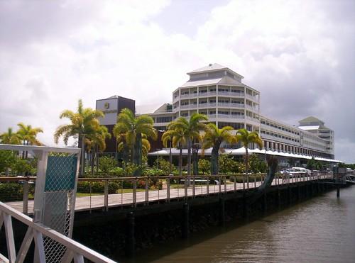 Mervz님이 촬영한 Shangrila hotel.