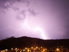 Rayo de Zeus / Zeus's Lightning - Tepic, Nayarit, MEXICO (Christian Frausto Bernal) Tags: 2005 longexposure light sky panorama favorite cloud storm luz nature rain weather topv111 night clouds contraluz landscape geotagged mexico lights luces noche lluvia kodak ciudad paisaje tepic nayarit cerro zeus cfrausto panoramica nubes tormenta favoritas ligth lightning rayo favourite popular storms blitz favorita thunder easyshare trueno rayos clima relmpago favorited lampo favourited electrica relmpago relampago dx7630 bliksem foudre lighthingstorm misfavoritas 100vistas estadosunidosmexicanos megathunder    judgmentday47 republicamexicana geolat21530895 geolon104909992