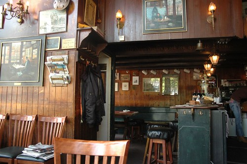 The Papeneiland -- a bruin cafe in the Jordaan by jimforest.