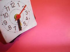 tempo... (art. ficcional) Tags: clock pink time rosa tempo relgio ponteiros