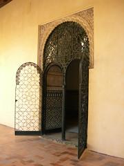 Mi casa es la tuya (Mara86) Tags: alcazar door puerta sevilla andalucia spain espaa entrada entrace