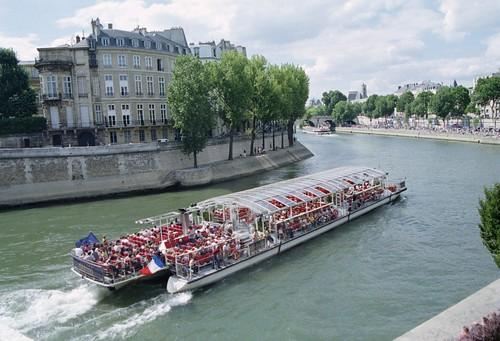 Bateaux Parisiens Tour Eiffel
