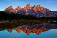 Schwabacher Landing (Bonnie Bowne) Tags: autumn mountain mountains nature topv111 sunrise wow landscape ilovenature nationalpark snakeriver wyoming grandtetons tetons naturelover teewinot schwabacherlanding nikonstunninggallery frhwofavs