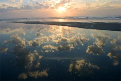 Sunrise - reflected sky (Belltown) Tags: sky beach nature sunrise reflections landscape outdoors isleofpalms i500 photodomino425
