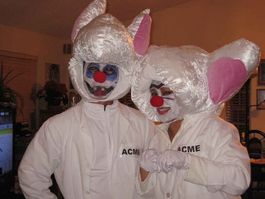 pinky and the brain uci_friends tags halloweenpartyswits gat shirley