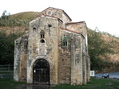 San Miguel de Lillo (jlmaral) Tags: sanmigueldelillo montenaranco patrimoniomundialdelahumanidad prerromnicoramirenseasturiano oviedo asturias espaa spain ph218 unesco