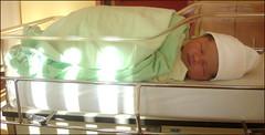 Lily-Soleil (12 hours day old) (Etolane) Tags: baby cute love girl bath child daughter cutie newborn enfant fille bb nouveaun lilysoleil beaubb nourisson