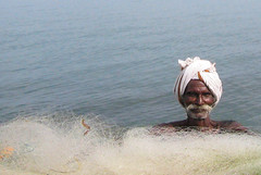 Back from fishing (Elishams) Tags: sea india man fisherman indian worker dailylife indianarchive tamilnadu rameswaram southindia mtier