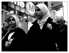 (Trapingus Parish) Tags: 2005 street november portrait bw face portraits germany blackwhite topv333 europa europe faces muslim hijab cologne kln alemania colonia muslims streetshot