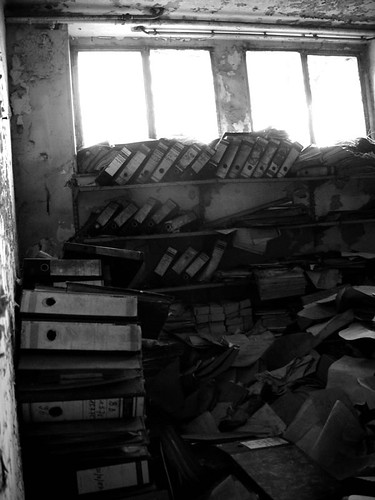 Buda Marly, archives in the basement