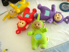 Teletabies everywhere (Antropoturista) Tags: children toys teletabies