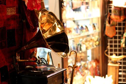 Music of the genie lamp !!!