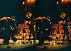 Basketballs 3d.jpg (SteveMcN) Tags: stomp orpheum nyc performance 3d sterography crosseye