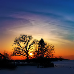 Sundown* (Imapix) Tags: voyage travel winter sunset pordosol red sun snow canada black tree art nature canon landscape rouge photography soleil photo zonsondergang bravo noir tramonto foto photographie sundown image quebec qubec neige ocaso  coucherdesoleil solnedgng puestadelsol imapix  gatanbourque  copyright2006gatanbourqueallrightsreserved gaetanbourque pix50 pix100 imapixphotography gatanbourquephotography
