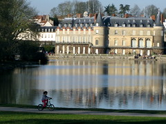 Château de Rambouillet (Josh Clark) Tags: favorite france water architecture kids children tricycle chateau rambouillet