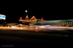 Vroooom... (_saurabh_) Tags: bus colors nightshots waheguru movingbus bangaloregurudwara ulsoorgurudwara ulsoorlakegurudwara crw2942rj