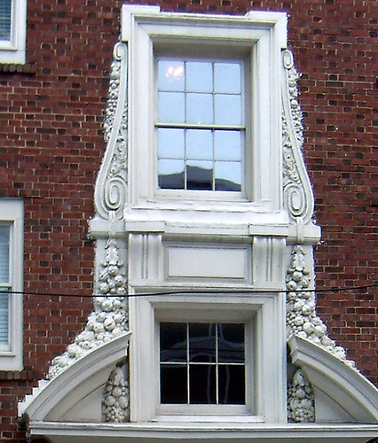 P2082048-Phelan-Apartments-Entrance-Detail-Fruit-Scroll-Butress-Detail