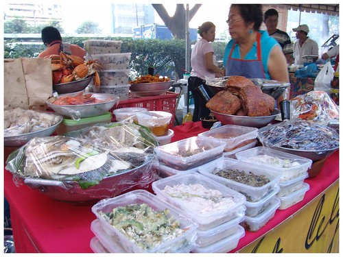 Salcedo weekend food market stall ulam for sale  Pinoy Filipino Pilipino Buhay  people pictures photos life Philippinen  菲律宾  菲律賓  필리핀(공화국) Philippines ampalaya ginisang lechon