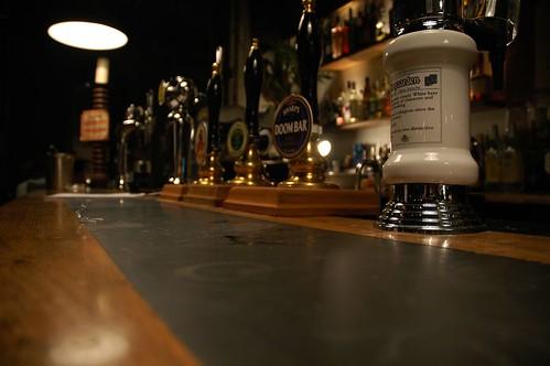 english pub french in london
