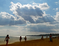 beach scene (julioc.) Tags: ocean blue light sunset sea summer sky people beach portugal water backlight walking lumix fz20 mar waves quality cu coastal vero backlit algarve armaodepra dmcfz20 peoplewalking julioc largegroupofpeople challengeyouwinner anawesomeshot photographybyjulioctheblog j1024 mostbeautifulbeaches gettyimagesiberiaq3