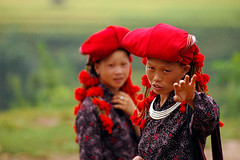 no photo please! (biroe) Tags: red black costume nikon village d70 traditional vietnam sapa hmong blueribbonwinner northvietnam outstandingshots 2pair diamondclassphotographer flickrdiamond fiveflickrfavs