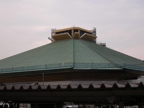 施設の子は、なぜかお相撲はしないわね。国技館、虫干しかしら。ちょっと珍しいから撮ったの。