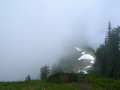 Excelsior Ridge (jeffcook) Tags: snow fog clouds washington north lakes foggy ridge cascades coolest excelsior whatcom damfino cotcbestof2006 damfinolakes excelsiorpass takenbyjeffcook