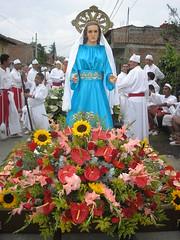 P4072870 (rosero_51) Tags: iglesia elcerrito semanasanta feligreses