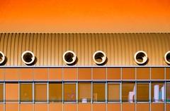 (epemsl) Tags: orange münchen fenster haus architektur