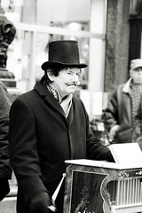 Barrel organ player (Atanas Sartmadjiev) Tags: street bw pentax istds barrelorgan