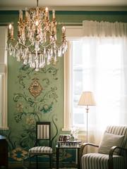 Hotel Onni (miemo) Tags: light summer sunlight window lamp finland hotel europe chairs interior olympus chandelier curtains voigtländer porvoo omd voigtländernokton425mmf095 em5mkii hotelonni