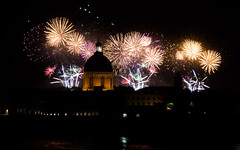 July 14th, 2015, Toulouse, France (Flox Papa) Tags: france canon fire is fireworks mark 1d usm toulouse iv nuit f4 feu tls artifice feudartifice 2015 fireshots july14th 24105l gorillapod