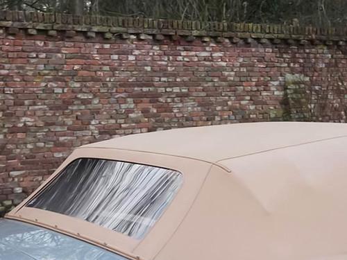 Aston Martin DBS V8 Volante