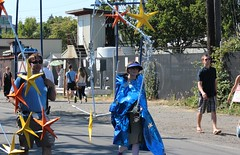 Walking Constellations (Chicago John) Tags: seattle fair fremont parade solstice 2015 fremontfair