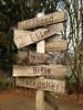 which way? (Rosmarie Voegtli) Tags: trailsign sign wegweiser wood holz anwil basellandschaft switzerland language sprache hiking winter odc ourdailychallenge ontheway