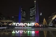 Toronto Sign at Christmas (Stephen Gardiner) Tags: toronto ontario 2016 nathanphillipssquare newcityhall soundcrowd choir carols pentax k3ii 1645