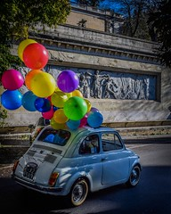 The car with balloons (marinvirieux) Tags: ballons balloons rome city ville éternelle voiture car married marié mariage piazza roma