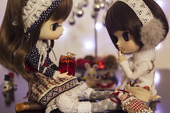 Merry Christmas! (Brie G.) Tags: dals dolls dollfamily sisters christmas obitsu junplanning dalcoco dalpuki