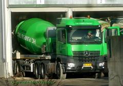 Mercedes AROCS AR30289 concrete mixer loads up (sms88aec) Tags: mercedes arocs ar30289 concrete mixer loads up