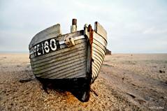 Dungeness Life V (www.hot-gomez-fotografie.de) Tags: dungeness kent kentlife uk beach shale boat ruin relic rotting old fishing nikon