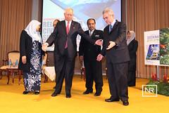 """Persidangan antarabangsa """"Agama dan kelestarian Tamadun"""".Dewan besar IKIM,KL.20/2/17 (Najib Razak) Tags: persidangan antarabangsa agama dan kelestarian tamadun dewan besar ikim"""