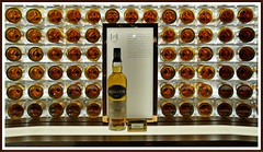 Whisky-Presentation (tor-falke) Tags: scotland bottle nice flickr sony scottish whiskey indoor whisky scotch dslr visitorcenter schottland écosse schön wateroflife uisgebeatha glengoyne scotchwhisky scotlandtour glengoynedistillery schottlandtour 15y sonyalpha fotorahmen wasserdeslebens scotlandtours 15yold whiksyworld alpha58 torfalke flickrtorfalke schottlandreise2015