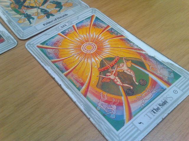 正位置/逆位置の太陽の意味|恋愛/仕事/復縁/相手の気持ち/恋愛の未来