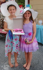 Anna McCabe & Ava Facciolo, winners of the best-dressed award