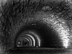 Castle Tunnel (Riccardo Palazzani - Italy) Tags: brescia castle tube tunnel galleria cidneo ghosts people volta botte lombardei ロンバルディ 伦巴第大区 lombardie ломбардия lombardia لومباردي 롬바르디아 italia italie italien italy 이탈리아 италия itália italië イタリア italya 意大利 إيطاليا riccardo palazzani veridiano3 olympus omd em1 castillo